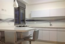 יתרונות של חיפוי זכוכית למטבח