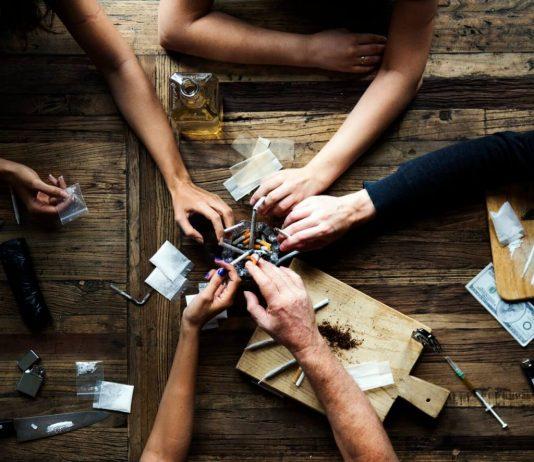 אתם לא לבד: הדרך הטובה ביותר להיגמל מהתמכרות